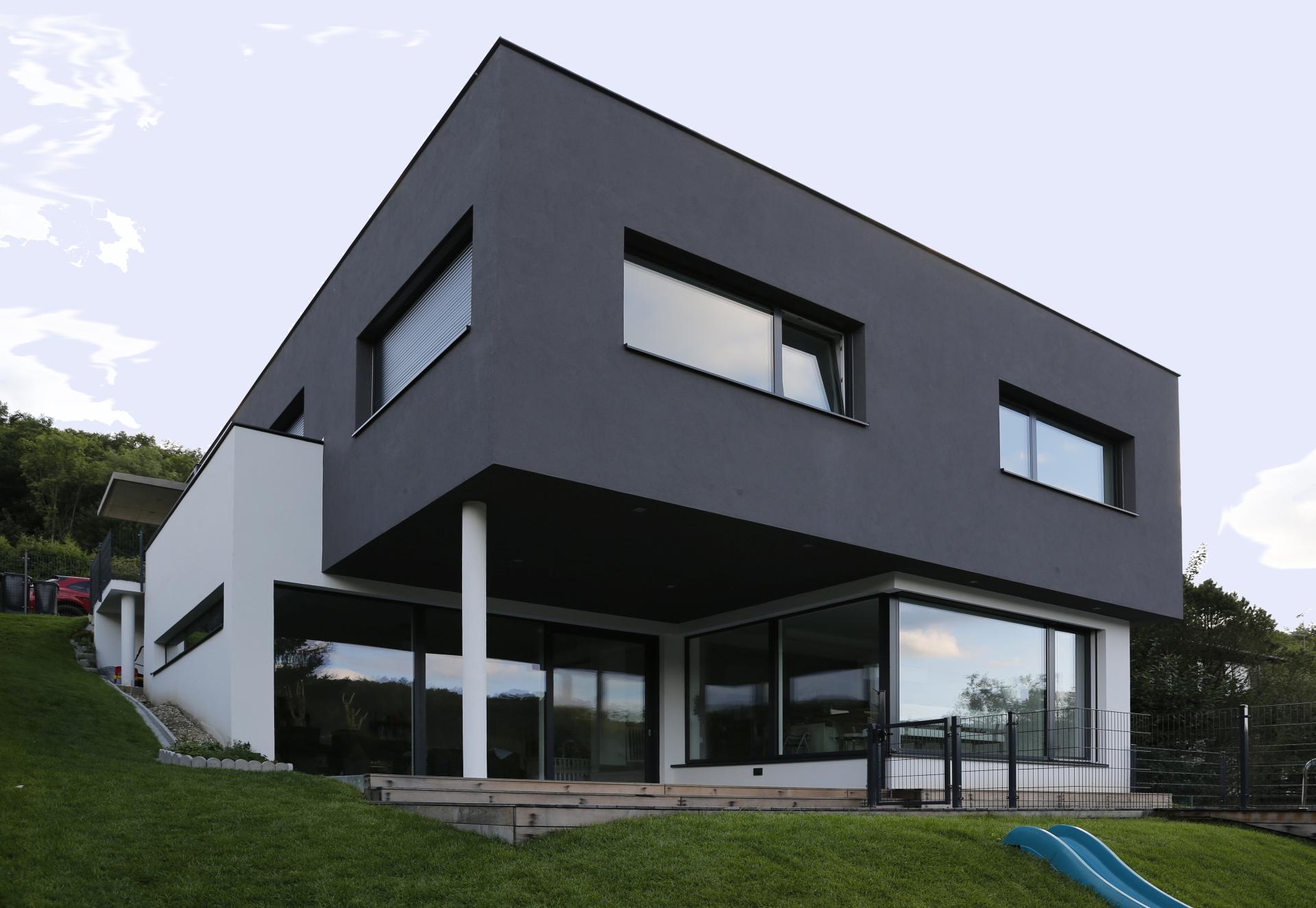 modernes einfamilienhaus bauen modernes domizil. Black Bedroom Furniture Sets. Home Design Ideas